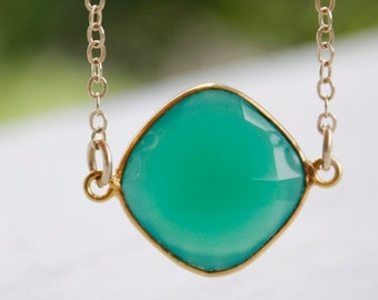 25% OFF Green Onyx Necklace - 14KT Gold Fill - Emerald Green