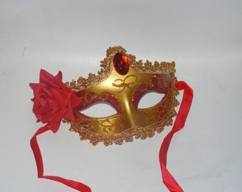 10 piece lot of Mask mardi gras  masks masquerade party favors centerpieces wedding 10 piece sweet 16 quinceanera red rose