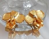 FALL SALE Vintage Gold Elephant Earrings. Abstract Elephants. Clip Earrings. Clear Rhinestones. Republican. Political.