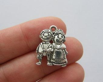 6 Couple charms antique silver tone P381