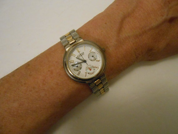 how to change a watch battery guess
