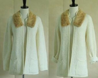 Vintage Cardigan 1970s Sweater 70s Cardigan Fur Collar Sweater Holiday Sweater Womens Ivory Cream Off White Cardigan Sweater Small Medium