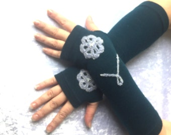 Fingerless  gloves   flowers in  turquoise  size  L