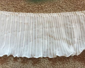 10 Yards Cream Ecru Pleated Trim Bridal Doll Sewing
