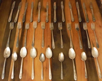 Vintage Crown Silverware LOT Silver Plate Radiance Pattern Knife Fork Spoon 33 pieces