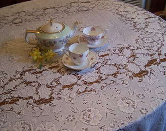 "Vintage Quaker Lace Tablecloth, Oblong, White, 80"" x 66"",  Wedding Decor, Intricate Pattern"