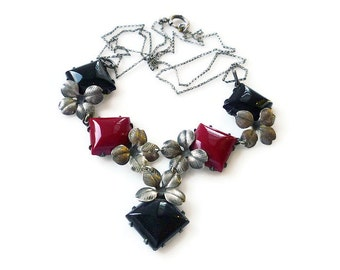 Art Deco Necklace, Silver Pot Metal, Red Black Glass, Forget Me Not, Flower Floral, Bib Dangle, Antique Jewelry