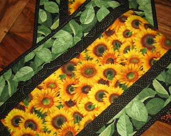 Yellow Sunflowers Quilted Tablerunner, Summer Table Runner, Sunflower Ladybug Runner, Summer Fall Table Runner, Reversible,Handmade