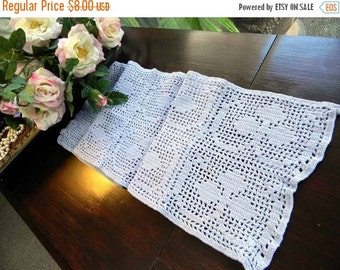 Vintage Filet Crocheted Scarf or Table Runner in Lavender 4680