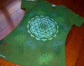 Women's XL Sacred Geometry Tee Organic Cotton Chakra Tee w/ Sri Yantra Mandala, Honeycomb, Flower of Life