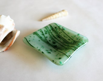 GLASS RING DISH-Mint Green Fused Glass Ring Dish, Wedding Ring Dish, Gift for Coworker, Trinket Dish, Under 10 Gift, Gift for Him Her, Glass