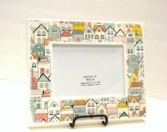 Pretty Houses  Picture Frame -   5 x 7 Picture Frame - Thick Wood Frame, Wall Mount Photo Frame, Picture Frames, Houses, City, Pastel, Kids