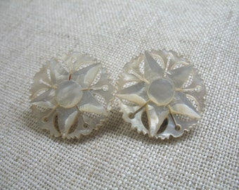 Vintage MOP Star Earrings ~ Mother of Pearl ~ Clip On