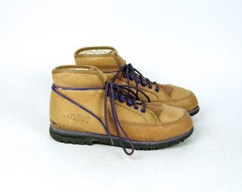 Old School AVIA Hiking Booties, Women's Size 8 1/2 B