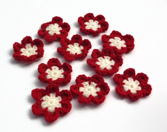 croched flower set of ten red and cream