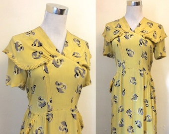 Vintage 1940s CARNEGIE yellow and grey novelty print tea dress / forties caped collar printed silky crepe dress - extra small