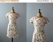 CLOSING SHOP 50% SALE / Vintage dress. 50s white cotton dress. Renaissance fresco print dress