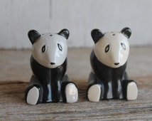 Vintage Salt & Pepper Shakers // Panda Shakers // Collectible Salt and Pepper Shakers // Set