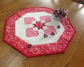 Sweetheart 19 inch Valentine quilted table octagon