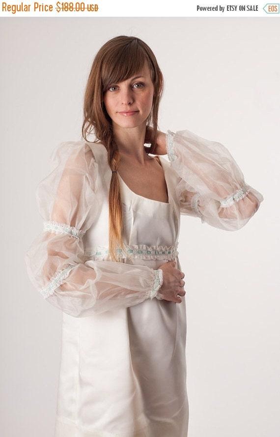 70% Off FINAL SALE - 1970s Dress / Vintage White Wedding / Edwardian Juliette / Blue Ribbon / Mini Sac Dress / Satin / Wedding Dress / 60s D