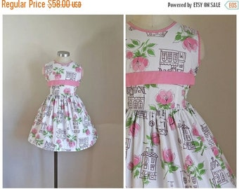 40% OFF back2school SALE vintage 1950s little girl's dress - DOLL House novelty print dress / 7yr
