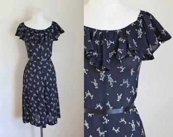 vintage 1970s novelty dress - ZEBRA navy rayon off shoulder dress / XS-S