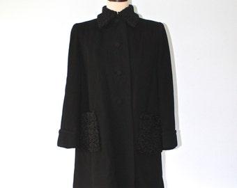 1940s BONWIT TELLER Black Wool Coat . Vintage 40s 50s Black Persian Curly Lamb Coat Collar & Pockets . Prestigious Luxury . Sz Large