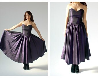 90s Plum Strapless Dress- 26, Sweetheart Bust, Circle Skirt, Full Skirt, Purple, Merlot, Pinup Bombshell Retro 90s does 50s