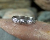 Plumes and Swirls Sterling Silver Romantic Patterned Band Ring no stone