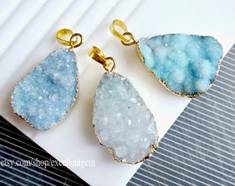 Druzy Druzy pendant, Druzy agate pendant, 24kt Gold Plated Edge agate pendant in light blue white color JSP-9296