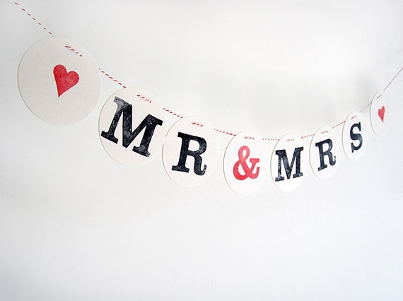 MR & MRS bunting // wedding bunting decorative garland by renna deluxe