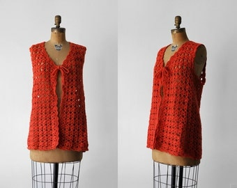 70 orange vest. crochet. 1970's eyelet top. knitted tunic. sleeveless. 70's xl vest. boho.