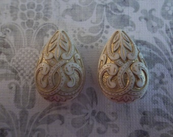 Cream & Gold Teardrop Beads - 27X18mm Pear Shape Beads - Mediterranean Design - Lucite from Germany - Qty 2