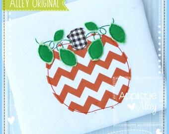 Handstitchedish Leafy Pumpkin Applique Design