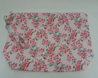 Medium Pink Floral Zippered Project Bag