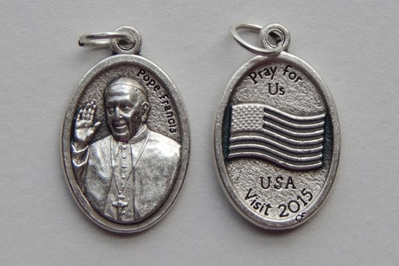 5 Patron Saint Medal Finding - Pope Francis, USA Visit 2015, Die Cast Silverplate, Silver Color, Oxidized Metal, Made in Italy, Charm, RM907