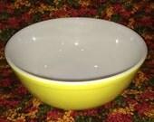 Vintge Pyrex Yellow Bowl - 404 - Largest of the Primary Colors Bowl Set - 4QT. - Amazing Condition