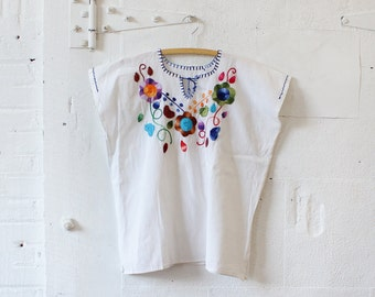 White Top w/ Floral Embroidery • Mexican Embroidered Blouse • White Cotton Blouse • Boho Blouse • Embroidered Top • Festival Top | T420