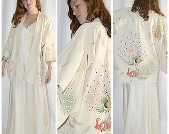 Vintage Ivory Silk Short Kimono Robe Jacket With Large Peacock and Feather Print Sz M