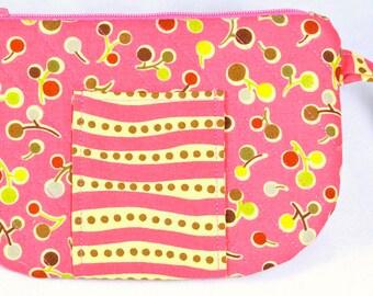 ZipperedPouch-Pink-CellPhoneWristlet-HandmadeQuilted