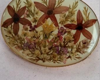 Vintage Preserved Dried Flowers Floral Brooch Pin Gold Tone Metal
