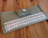 Lacy Wallet