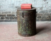 Vintage Old Rustic Worn Metal Green Barrel Side Table Storage Bucket Industrial Bar Accent Trashcan Canister