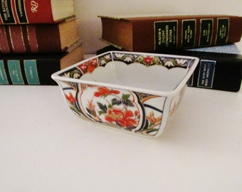 Vintage Imari Dish, Chinoiserie Square Dish, Porcelain Nut Dish,Home Office Decor, Hollywood Regency