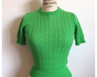 Vintage 1960s green tight fitted cable knit top