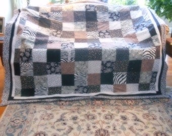 LARGE THROW PATCH quilt in neutral colors