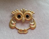Valentines Day Vintage owl pin