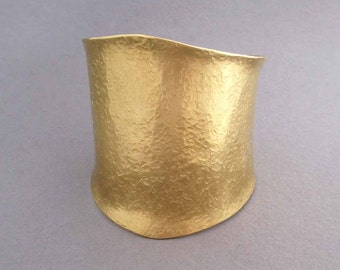 Wide Gold Cuff Bracelet in Hammered Brass Ancient Egyptian Jewelry Modern Greek Jewelry Cleopatra Bracelet Goddess Jewelry Statement Jewelry