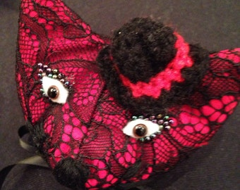 Ready to ship Fabric stuffed cat head brooch in silk and lace