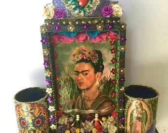 Mexican wooden shrine shadowbox/ sacred heart/ Mexican folk art / rustic vintage  / wedding gift birthday gift/ frida kahlo